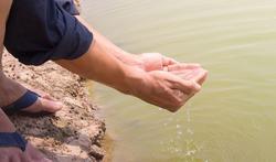 123-reizen-vuil-water-ziek-milieu-03-19.jpg