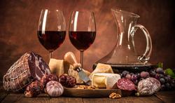 Waarom kun je van rood vlees en rode wijn kanker krijgen?