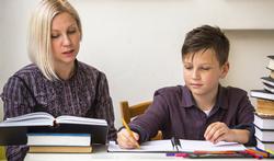 Hoe help je je zoon of dochter door de examentijd?