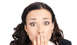Bouton de fièvre : symptômes, causes et traitements