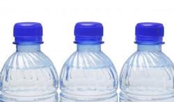 Bouteille en plastique : il vaut mieux ne pas trop la réutiliser