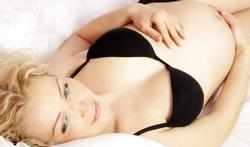 Coloration des cheveux : un risque pour la femme enceinte ?