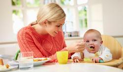 Allergies alimentaires : à quel âge faut-il diversifier les repas du bébé ?