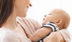 Pourquoi tous les bébés du monde aiment-ils les berceuses ?