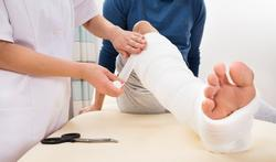 Bloedverdunners niet nodig bij gipsbeen of knieoperatie