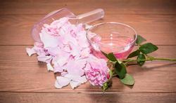 Comment faire soi-même son eau de rose ?