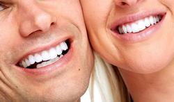 Pourquoi le sourire, même forcé, améliore notre humeur