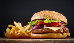 123m-hamburger-friet-eten-voeding-3-7.jpg