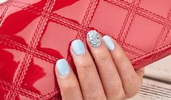 Vernis écaillé :  4 étapes pour des ongles parfaitement laqués