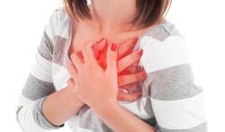 Arrêt cardiaque : pourquoi les femmes en meurent-elles plus ?