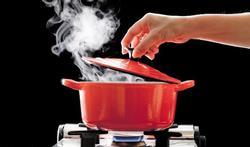 Vapeur, papillote, micro-ondes... : quelle cuisson saine pour quels aliments ?