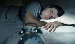 Les érections nocturnes peuvent faire (très) mal