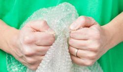 Outils, bigoudis, légumes... : 4 utilisations du papier bulle
