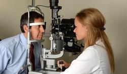 Enfants et adultes : à quelle fréquence faut-il aller chez l'ophtalmologue ?