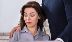 Harcèlement sexuel : plus une femme est jolie, plus on la croit