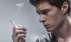 Fumer augmente-t-il le risque de suicide ?