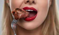 Les bonnes raisons pour ne pas manger trop vite