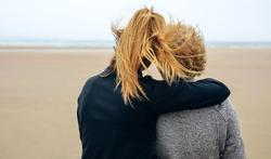 Avec l'âge, moins d'amis mais plus solides : pourquoi ?