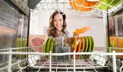 Lave-vaisselle : l'astuce contre les mauvaises odeurs