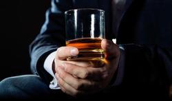 Whisky : pur, avec de l'eau, des glaçons ?