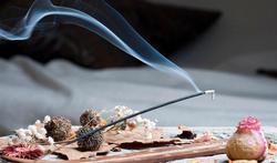 Encens et bougies parfumées : attention aux fumées toxiques