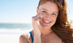 Peau sensible : comment bien choisir sa protection solaire ?