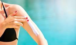 Crème solaire maison : un gros risque pour votre peau