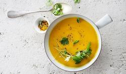 Soupe de carottes avec une touche fraîche et fruitée