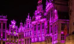 Brussel kleurt roze bij de start van de internationale borstkankermaand