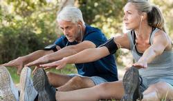 Hypertension : les effets très positifs de la marche et des étirements