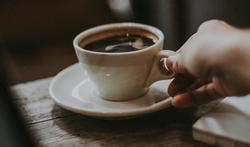 Perte auditive : l'étonnante protection du café