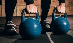 Kettlebell : les bienfaits de la boule de musculation